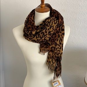 Patricia Nash Scarf 🧣 LEOPARD 🐆 Collection